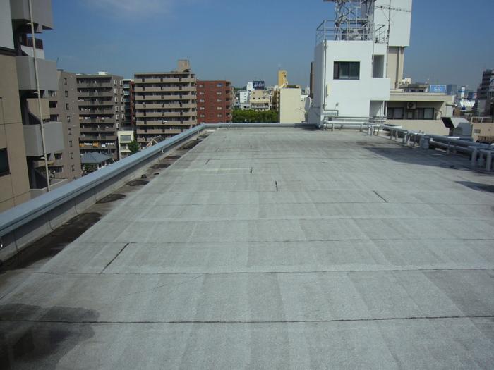 大通り屋上防水全景2施工前.JPG